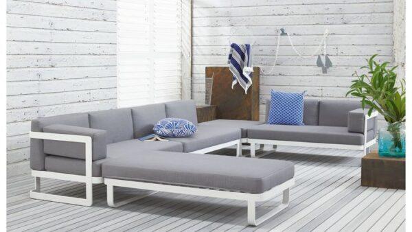 Pontoon modular sofa
